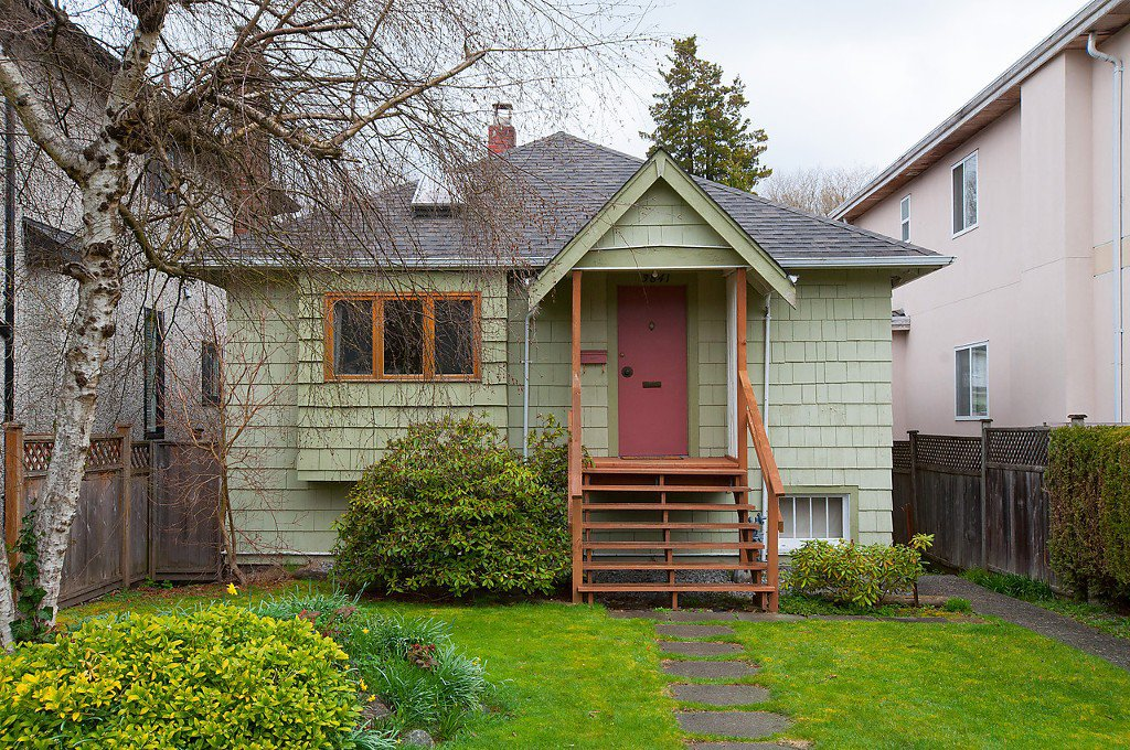 Main Photo: 3841 W 21ST Avenue in Vancouver: Dunbar House for sale (Vancouver West)  : MLS®# V1057378