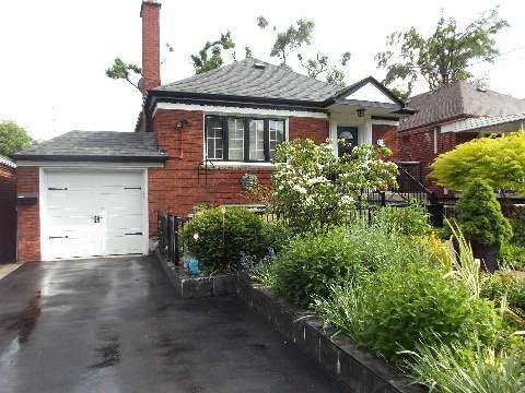 Main Photo: 193 Carmichael Avenue in Toronto: Bedford Park-Nortown House (Bungalow) for sale (Toronto C04)  : MLS®# C2951358