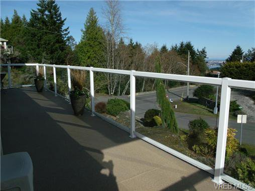Photo 18: Photos: 741 Bexhill Rd in VICTORIA: Co Triangle Single Family Detached for sale (Colwood)  : MLS®# 635232