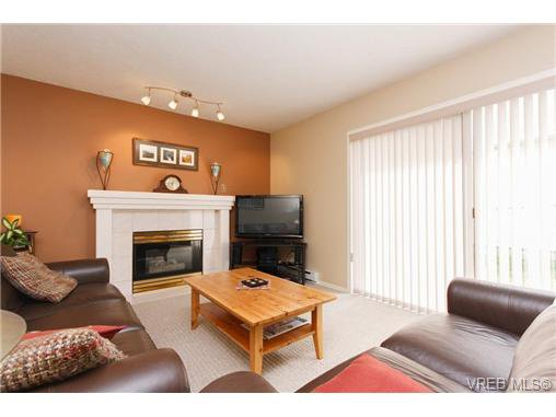 Photo 8: Photos: 741 Bexhill Rd in VICTORIA: Co Triangle Single Family Detached for sale (Colwood)  : MLS®# 635232
