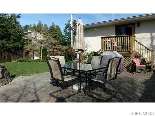 Photo 19: Photos: 741 Bexhill Rd in VICTORIA: Co Triangle Single Family Detached for sale (Colwood)  : MLS®# 635232