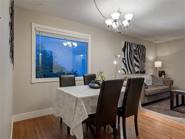Photo 7: Photos: 5007 48 Street NW in Calgary: Varsity Acres House for sale : MLS®# C4021918