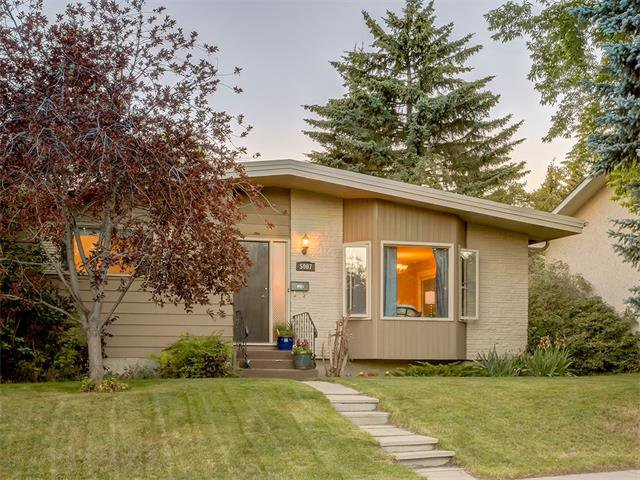 Photo 31: Photos: 5007 48 Street NW in Calgary: Varsity Acres House for sale : MLS®# C4021918