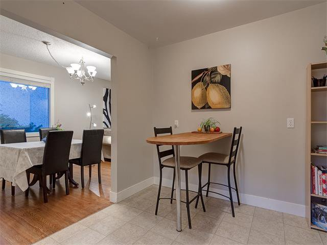 Photo 11: Photos: 5007 48 Street NW in Calgary: Varsity Acres House for sale : MLS®# C4021918