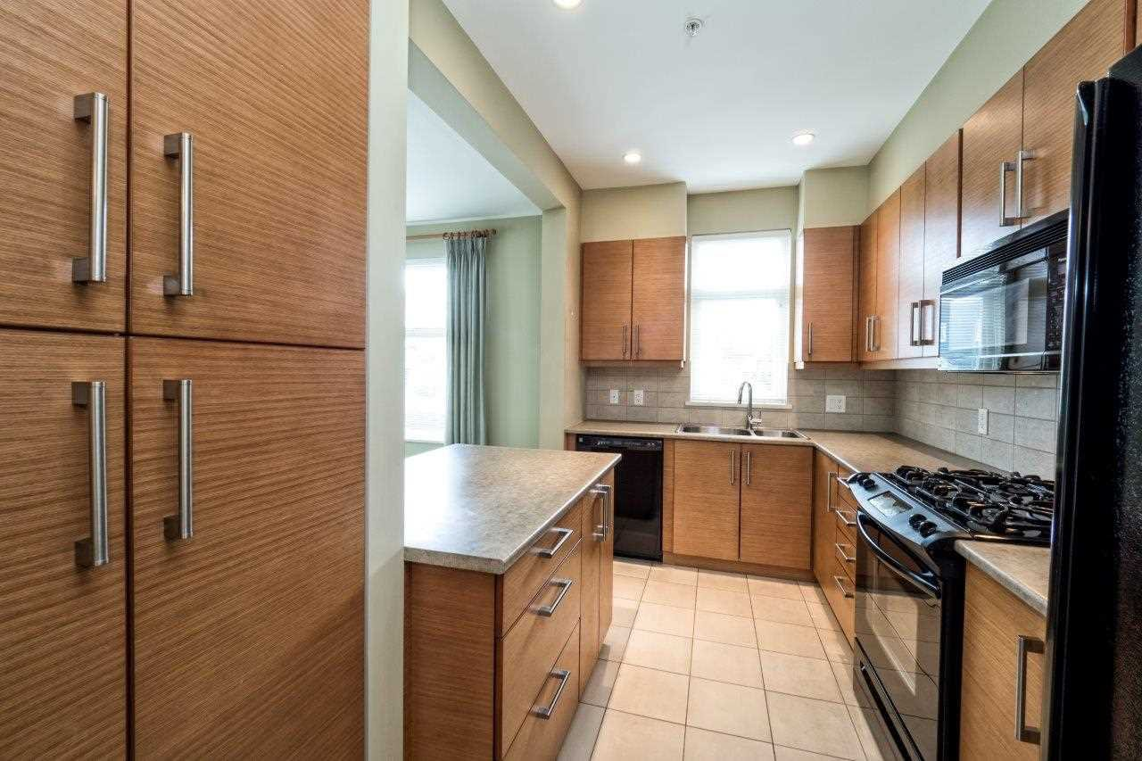 "Photo 9: Photos: 108 188 W 29TH Street in North Vancouver: Upper Lonsdale Condo for sale in ""VISTA 29"" : MLS®# R2010272"