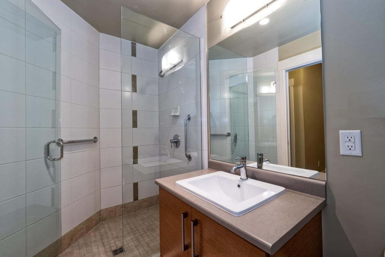 "Photo 16: Photos: 108 188 W 29TH Street in North Vancouver: Upper Lonsdale Condo for sale in ""VISTA 29"" : MLS®# R2010272"
