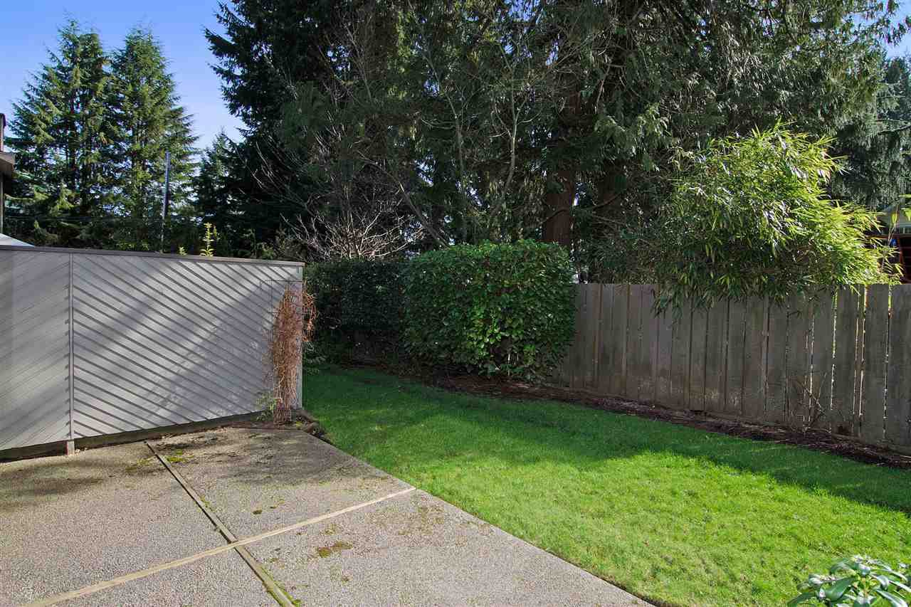 """Photo 15: Photos: 4709 GLENWOOD Avenue in North Vancouver: Canyon Heights NV Townhouse for sale in """"Montroyal Village"""" : MLS®# R2039436"""