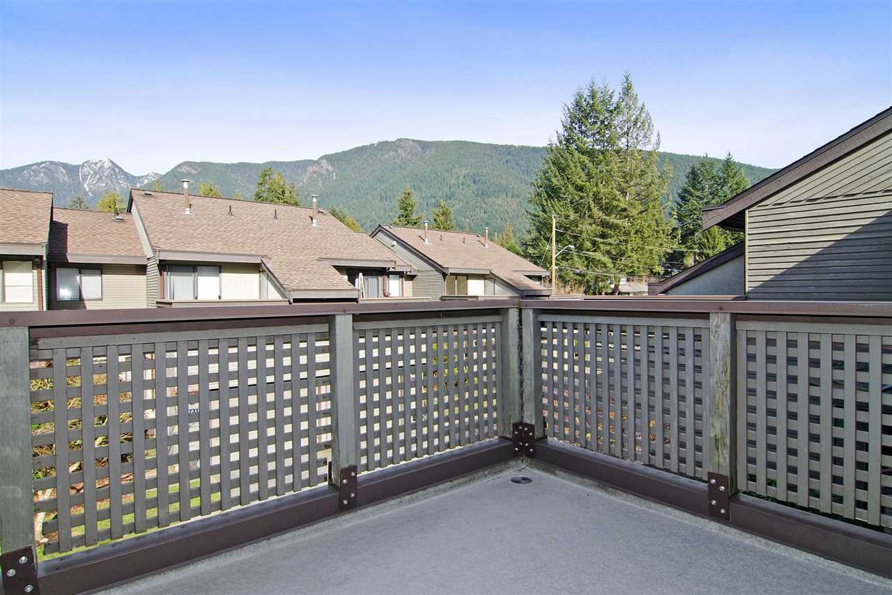 """Photo 13: Photos: 4709 GLENWOOD Avenue in North Vancouver: Canyon Heights NV Townhouse for sale in """"Montroyal Village"""" : MLS®# R2039436"""