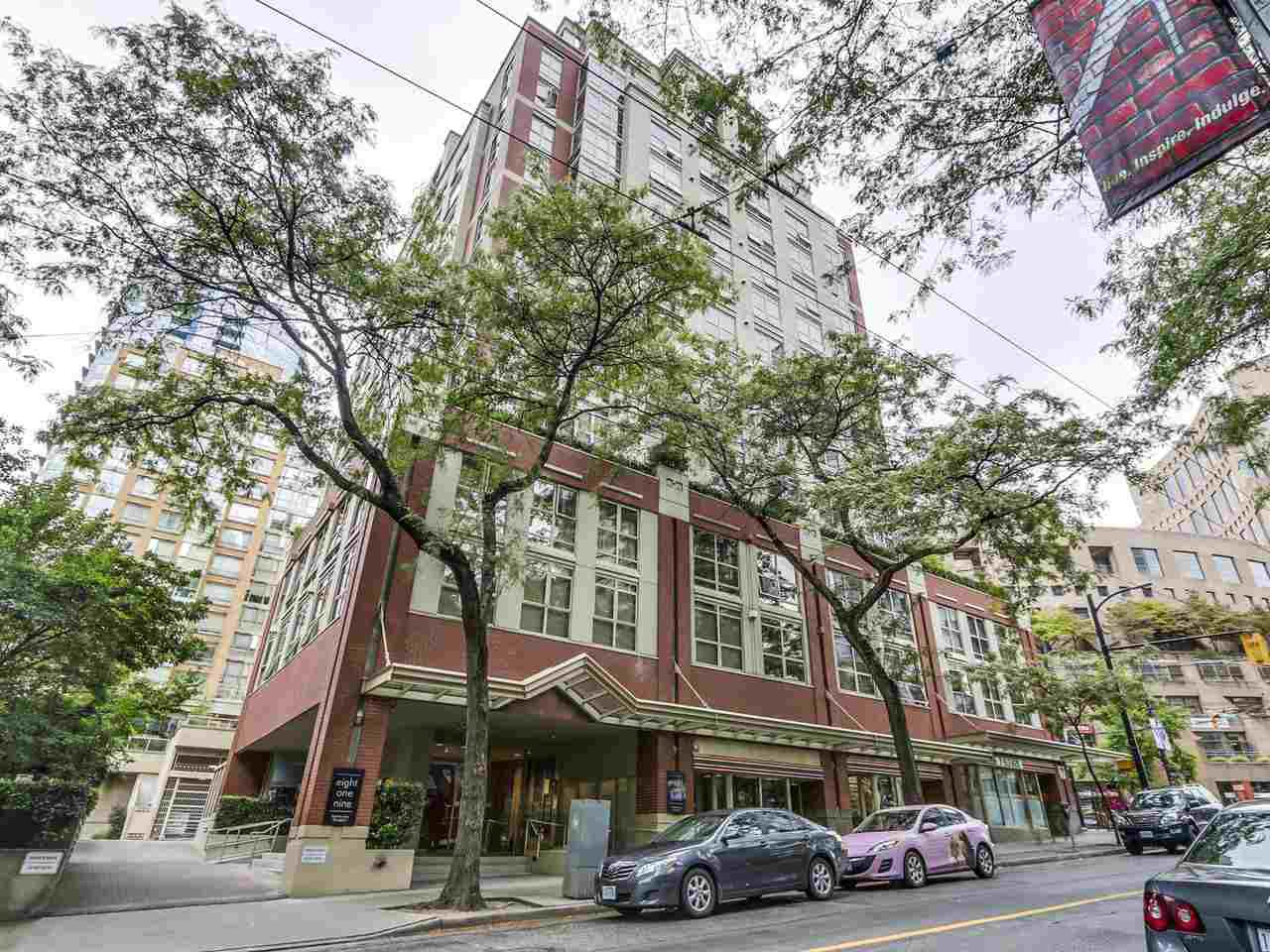 """Main Photo: 1004 819 HAMILTON Street in Vancouver: Downtown VW Condo for sale in """"819 HAMILTON"""" (Vancouver West)  : MLS®# R2105392"""