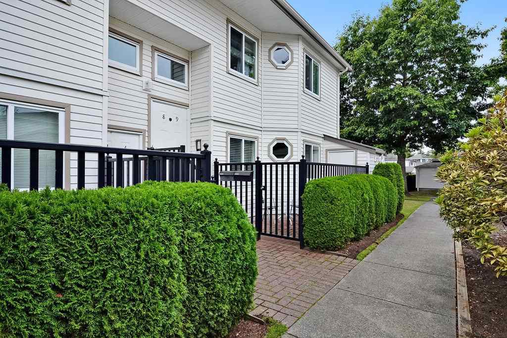 "Main Photo: 4 12964 17 Avenue in Surrey: Crescent Bch Ocean Pk. Townhouse for sale in ""Ocean Park Village"" (South Surrey White Rock)  : MLS®# R2105496"