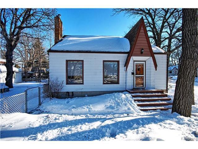 Main Photo: 69 Cunnington Avenue in Winnipeg: Elm Park Residential for sale (2C)  : MLS®# 1703030