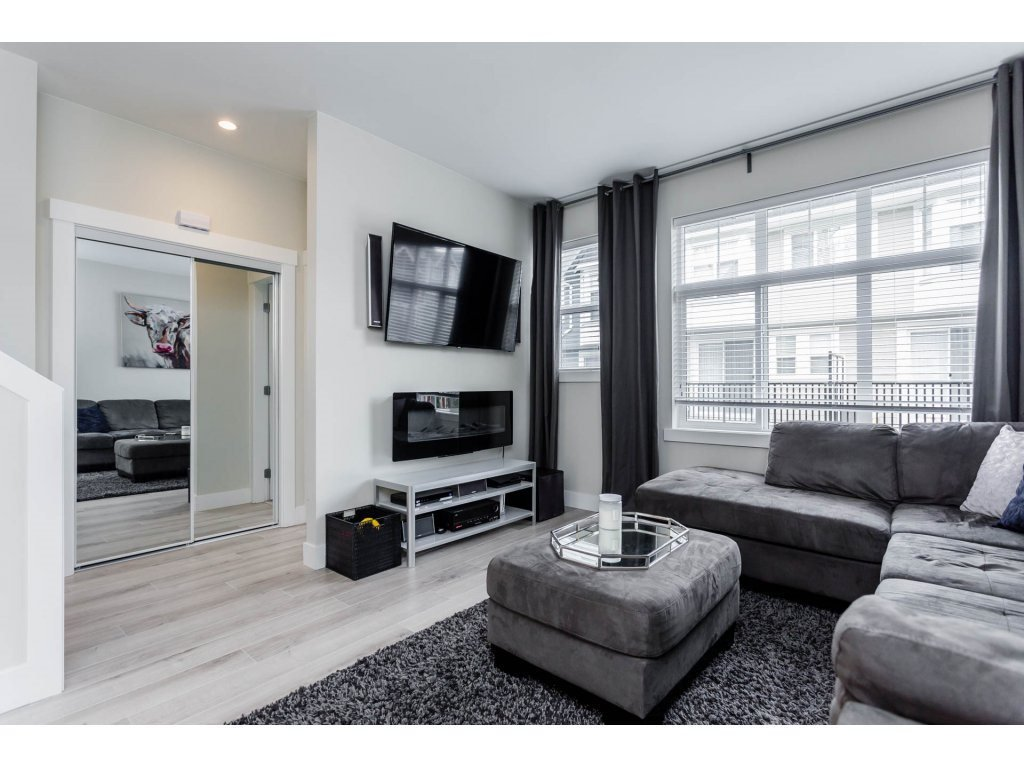 "Photo 9: Photos: 43 20852 77A Avenue in Langley: Willoughby Heights Townhouse for sale in ""ARCADIA"" : MLS®# R2156486"
