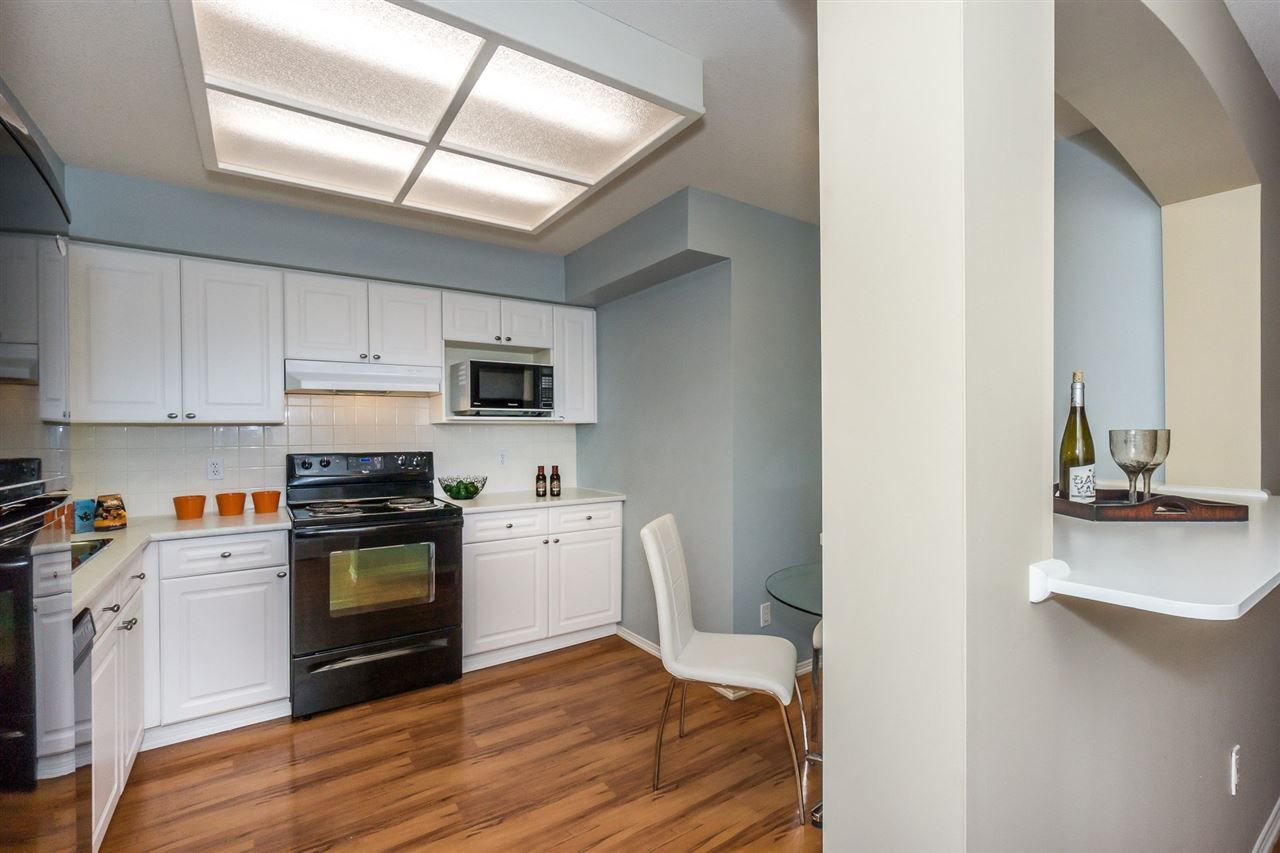 """Photo 6: Photos: 216 20976 56TH Avenue in Langley: Langley City Condo for sale in """"RIVERWALK"""" : MLS®# R2220785"""