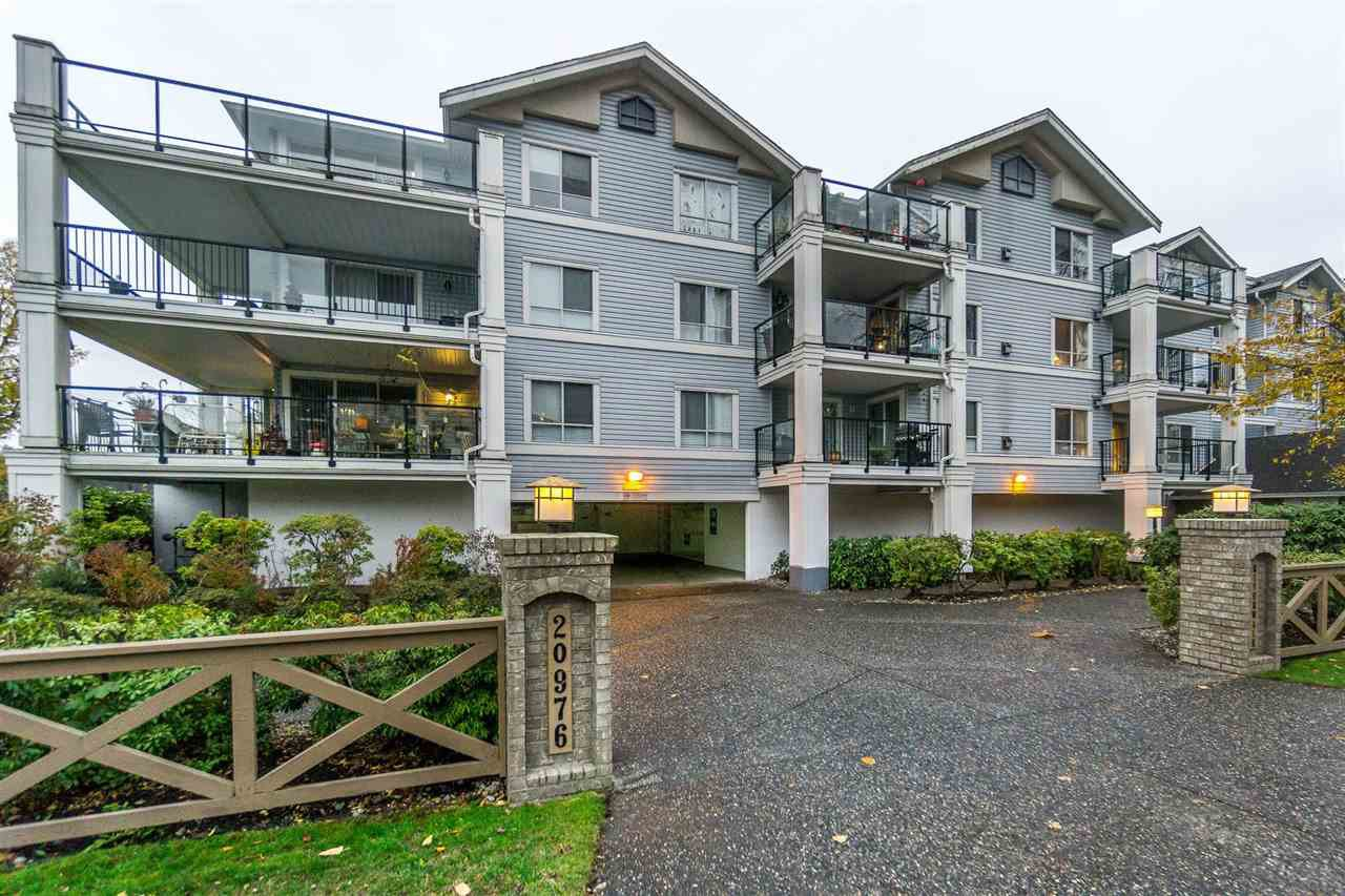 """Photo 2: Photos: 216 20976 56TH Avenue in Langley: Langley City Condo for sale in """"RIVERWALK"""" : MLS®# R2220785"""