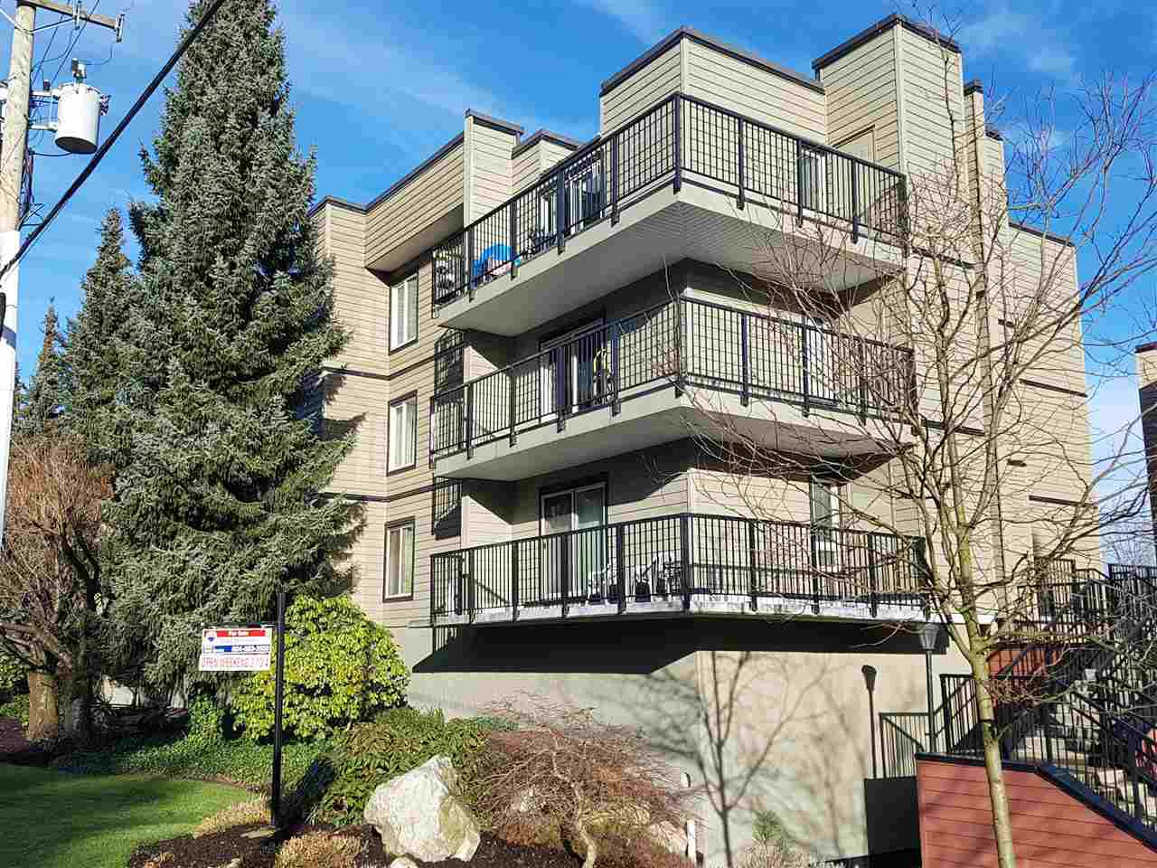 "Main Photo: 206 10468 148 Street in Surrey: Guildford Condo for sale in ""guildford greene"" (North Surrey)  : MLS®# R2231762"