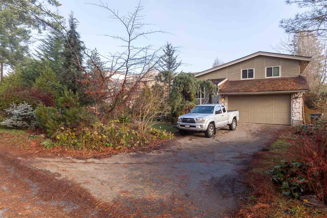 Main Photo: 1080 AUGUSTA Avenue in Burnaby: Simon Fraser Univer. House for sale (Burnaby North)  : MLS®# R2235347