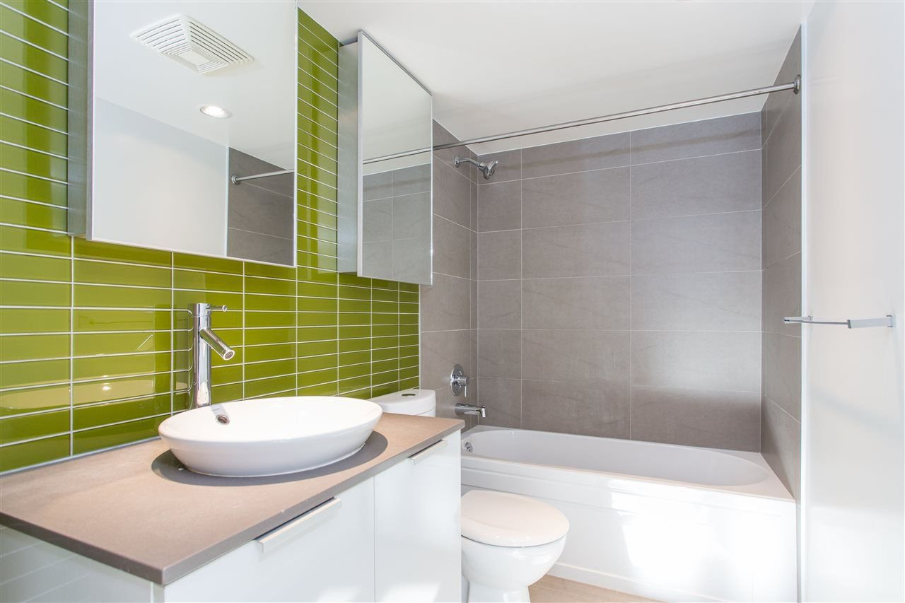 """Photo 8: Photos: 508 128 W CORDOVA Street in Vancouver: Downtown VW Condo for sale in """"WOODWARDS W43"""" (Vancouver West)  : MLS®# R2255554"""