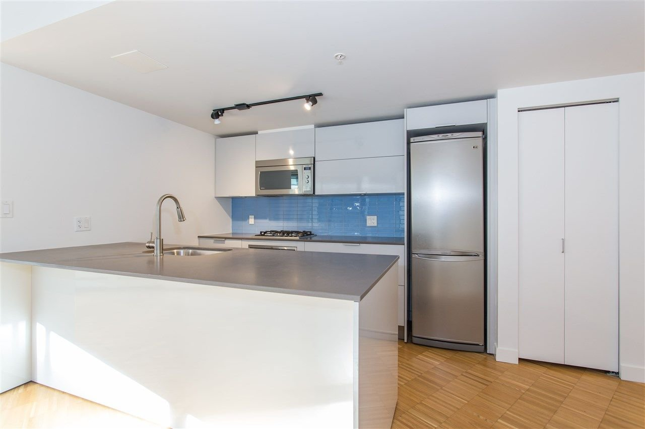 """Photo 3: Photos: 508 128 W CORDOVA Street in Vancouver: Downtown VW Condo for sale in """"WOODWARDS W43"""" (Vancouver West)  : MLS®# R2255554"""
