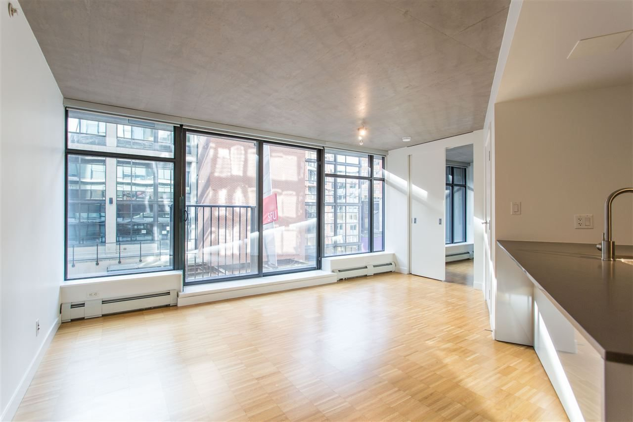 """Photo 5: Photos: 508 128 W CORDOVA Street in Vancouver: Downtown VW Condo for sale in """"WOODWARDS W43"""" (Vancouver West)  : MLS®# R2255554"""