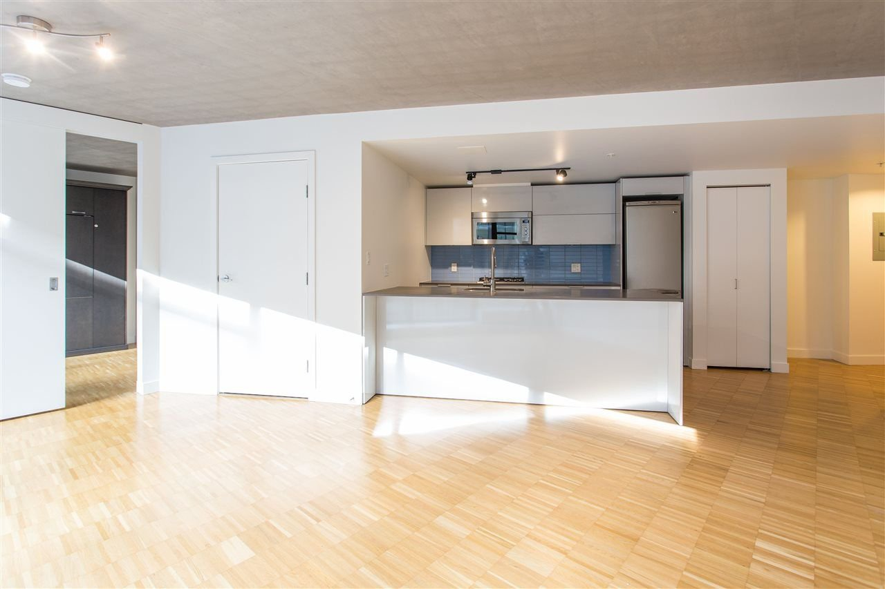 """Photo 2: Photos: 508 128 W CORDOVA Street in Vancouver: Downtown VW Condo for sale in """"WOODWARDS W43"""" (Vancouver West)  : MLS®# R2255554"""