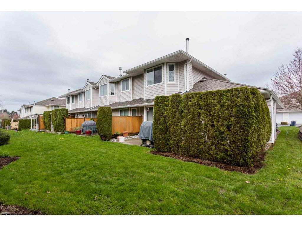 "Photo 2: Photos: 45 21928 48 Avenue in Langley: Murrayville Townhouse for sale in ""Murray Glen"" : MLS®# R2260357"