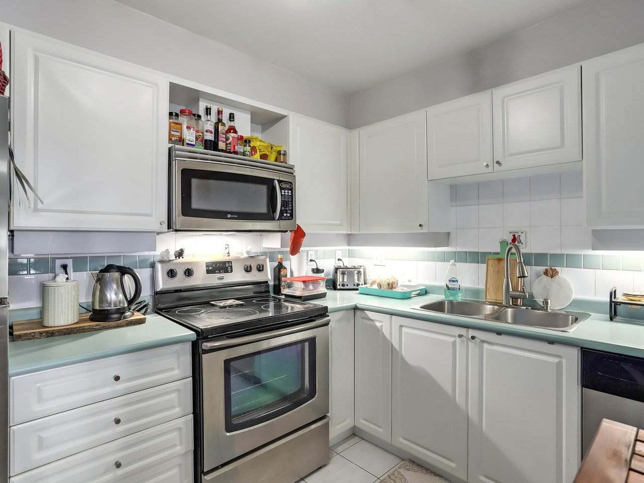 Photo 11: Photos: 107 295 SCHOOLHOUSE Street in Coquitlam: Maillardville Condo for sale : MLS®# R2286753