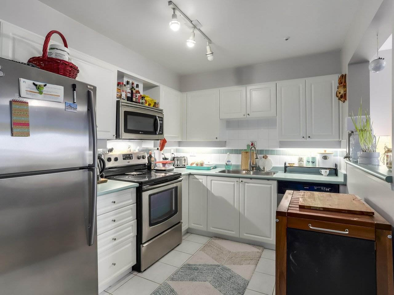 Photo 9: Photos: 107 295 SCHOOLHOUSE Street in Coquitlam: Maillardville Condo for sale : MLS®# R2286753