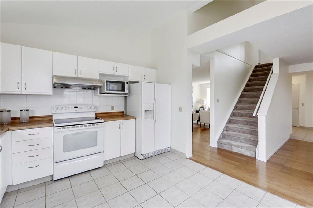 Photo 18: Photos: 232 RIVERSTONE Place SE in Calgary: Riverbend Detached for sale : MLS®# C4196523