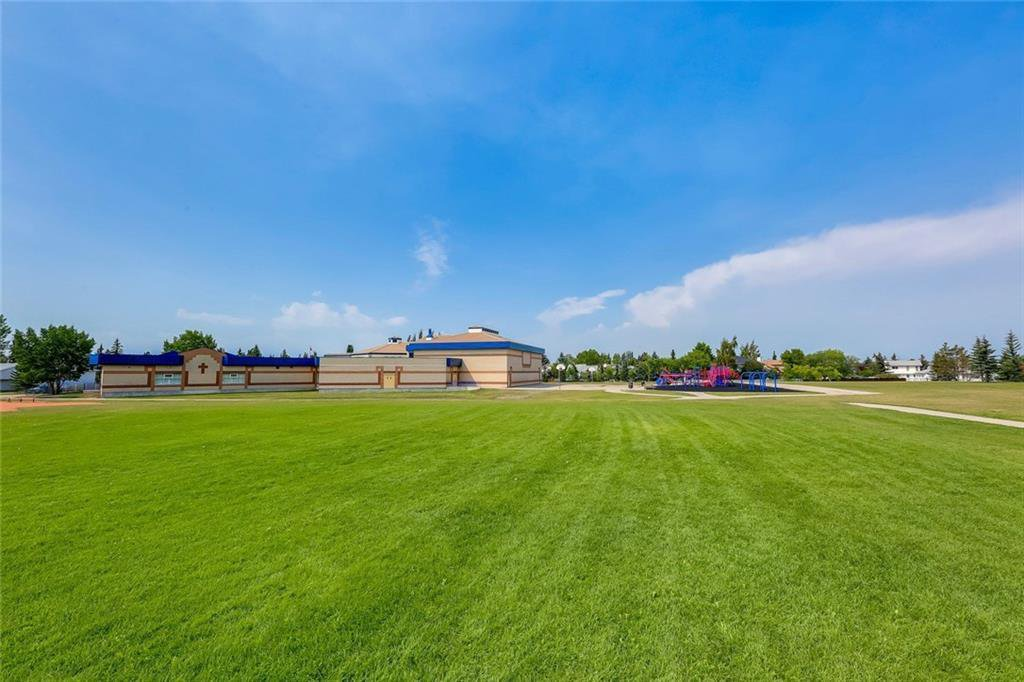 Photo 45: Photos: 232 RIVERSTONE Place SE in Calgary: Riverbend Detached for sale : MLS®# C4196523