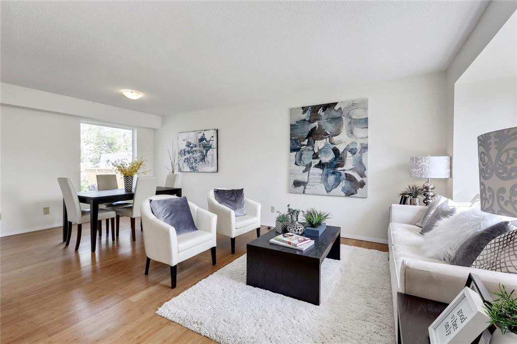 Photo 5: Photos: 232 RIVERSTONE Place SE in Calgary: Riverbend Detached for sale : MLS®# C4196523