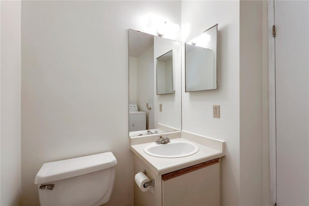 Photo 11: Photos: 232 RIVERSTONE Place SE in Calgary: Riverbend Detached for sale : MLS®# C4196523