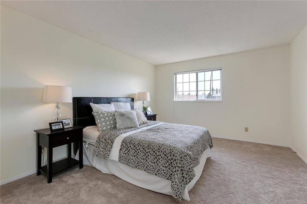 Photo 25: Photos: 232 RIVERSTONE Place SE in Calgary: Riverbend Detached for sale : MLS®# C4196523
