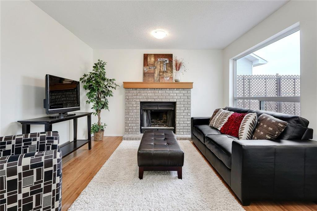Photo 15: Photos: 232 RIVERSTONE Place SE in Calgary: Riverbend Detached for sale : MLS®# C4196523