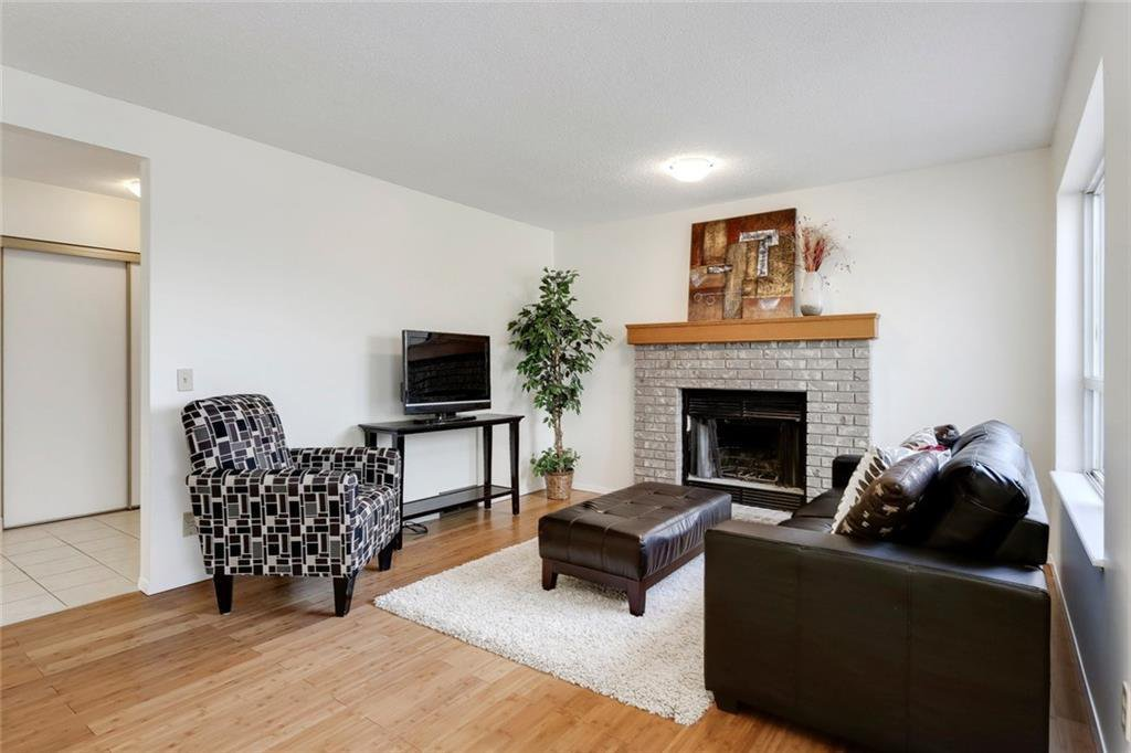 Photo 14: Photos: 232 RIVERSTONE Place SE in Calgary: Riverbend Detached for sale : MLS®# C4196523