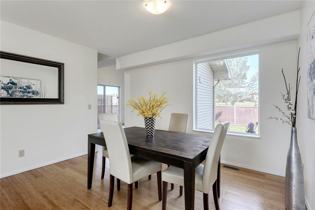 Photo 13: Photos: 232 RIVERSTONE Place SE in Calgary: Riverbend Detached for sale : MLS®# C4196523