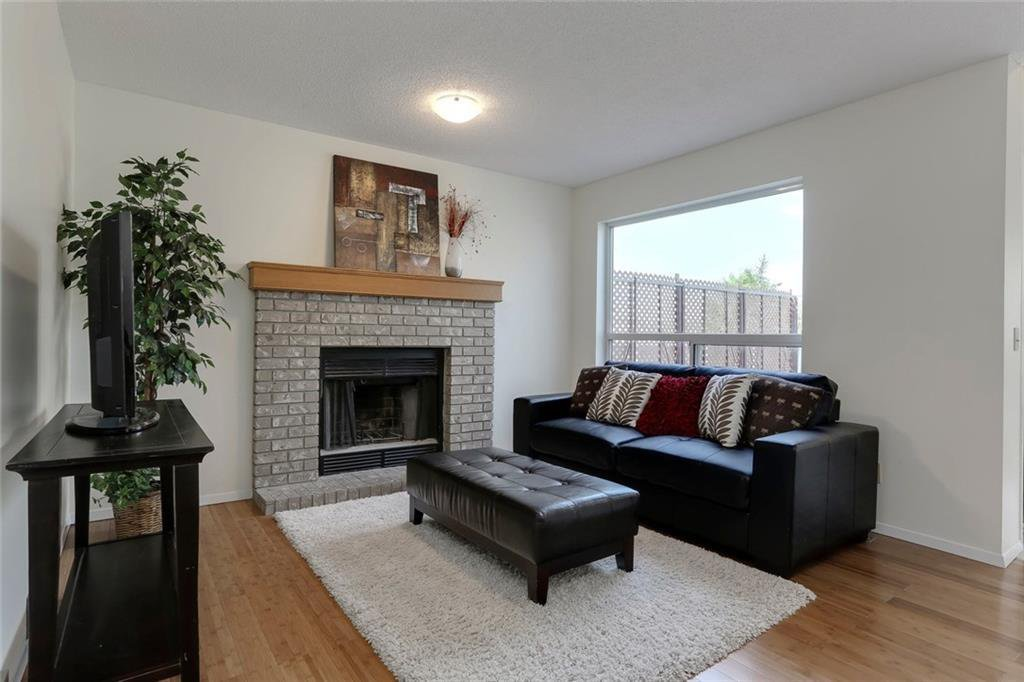 Photo 16: Photos: 232 RIVERSTONE Place SE in Calgary: Riverbend Detached for sale : MLS®# C4196523