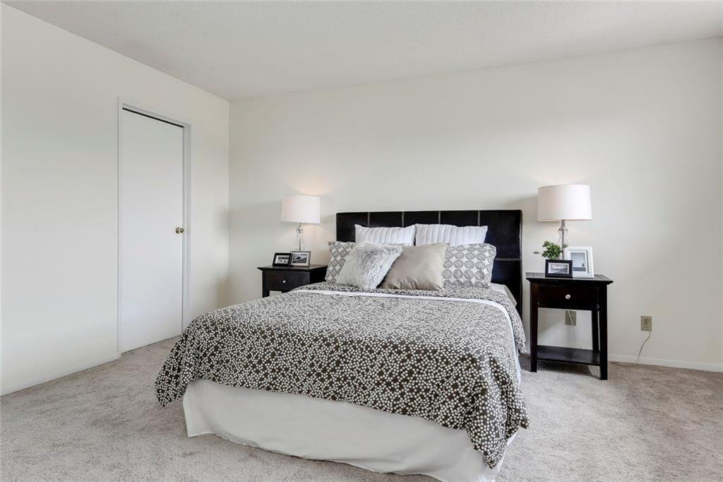 Photo 27: Photos: 232 RIVERSTONE Place SE in Calgary: Riverbend Detached for sale : MLS®# C4196523