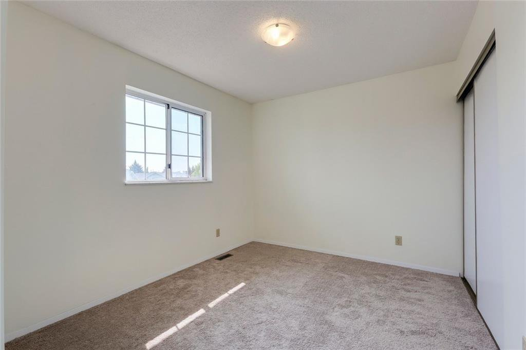 Photo 30: Photos: 232 RIVERSTONE Place SE in Calgary: Riverbend Detached for sale : MLS®# C4196523