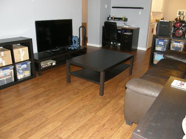 """Photo 3: Photos: 207 590 WHITING Way in Coquitlam: Coquitlam West Condo for sale in """"BALMORAL ESTATES"""" : MLS®# R2311061"""