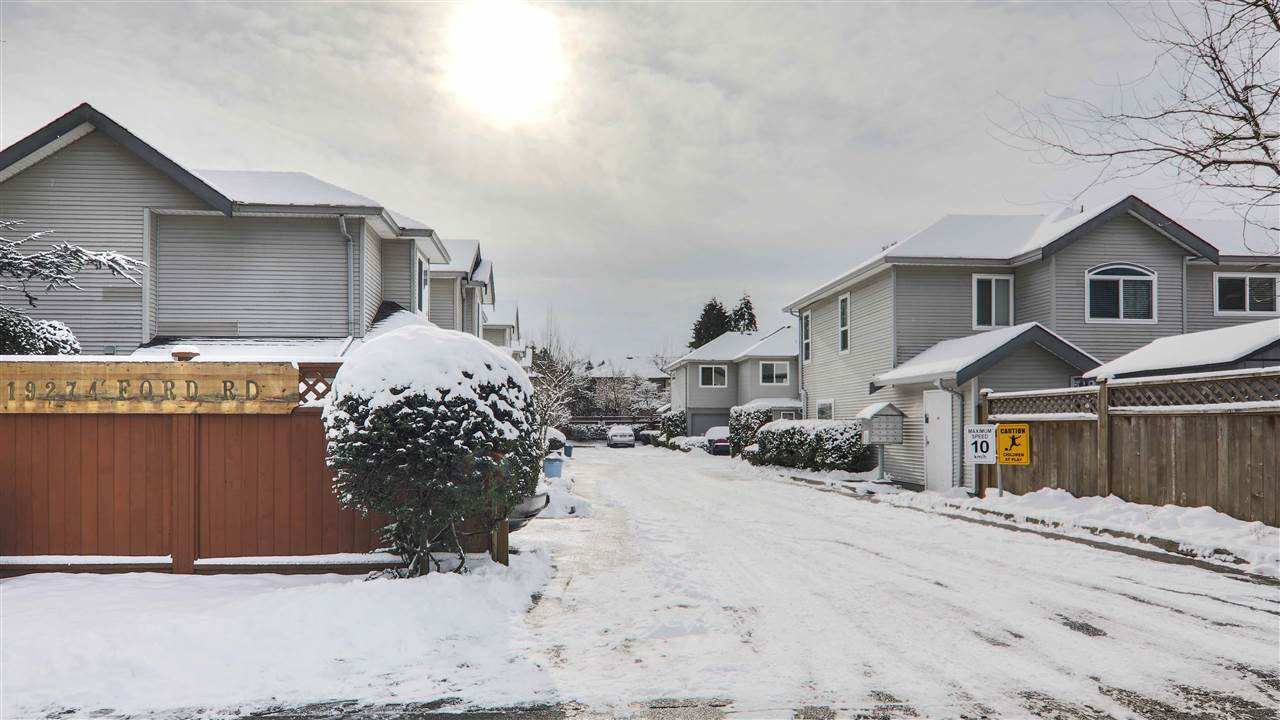 """Main Photo: 12 19274 FORD Road in Pitt Meadows: Central Meadows Townhouse for sale in """"MONTERRA SOUTH"""" : MLS®# R2339945"""