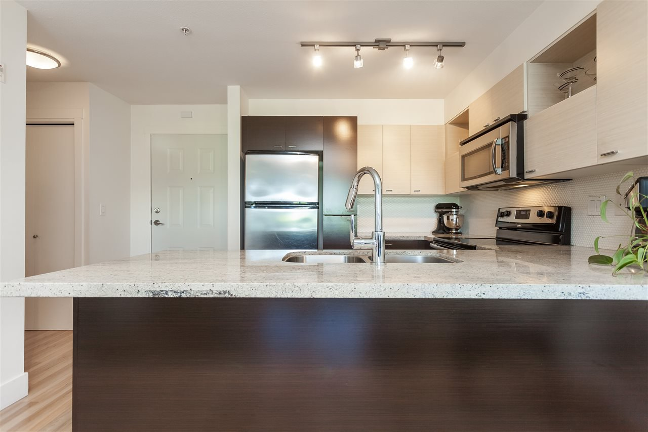 """Photo 4: Photos: 208 7445 120 Street in Delta: Scottsdale Condo for sale in """"The TREND"""" (N. Delta)  : MLS®# R2377961"""