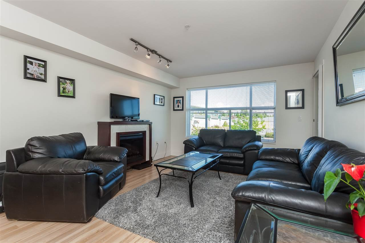 """Photo 8: Photos: 208 7445 120 Street in Delta: Scottsdale Condo for sale in """"The TREND"""" (N. Delta)  : MLS®# R2377961"""
