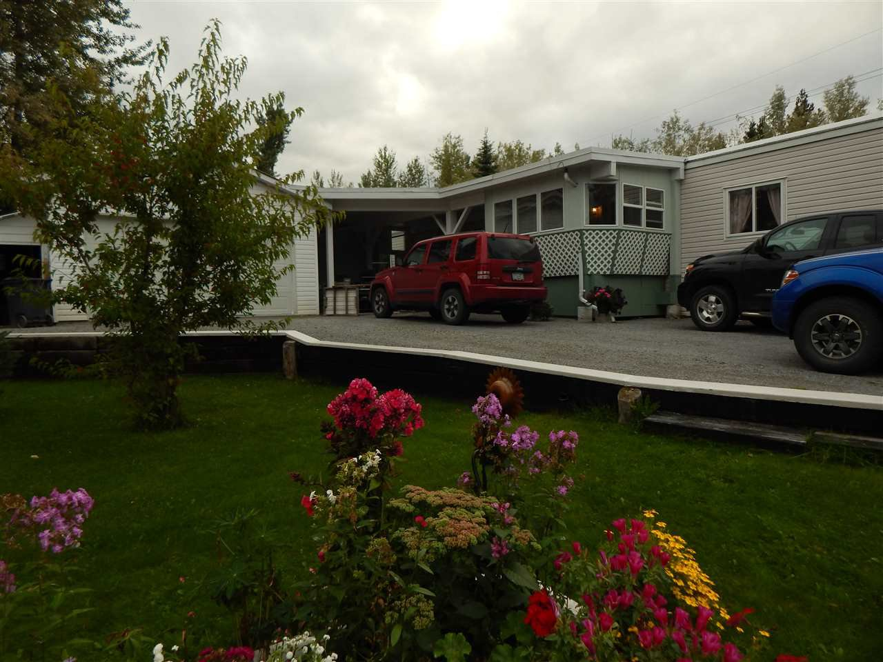 "Main Photo: 7115 GISCOME Road in Prince George: North Blackburn Manufactured Home for sale in ""SOUTH BLACKBURN"" (PG City South East (Zone 75))  : MLS®# R2404512"