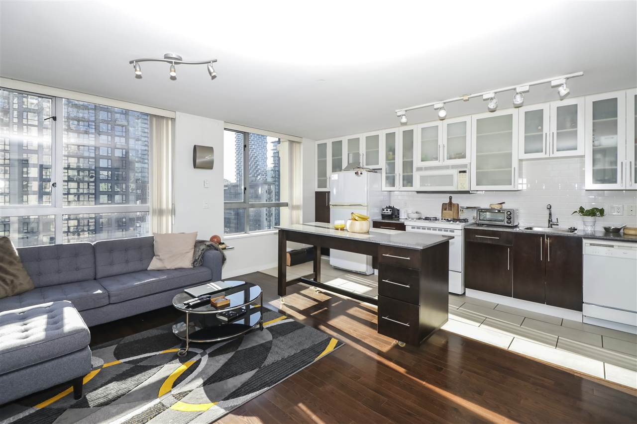 """Main Photo: 1206 1225 RICHARDS Street in Vancouver: Downtown VW Condo for sale in """"EDEN"""" (Vancouver West)  : MLS®# R2445592"""