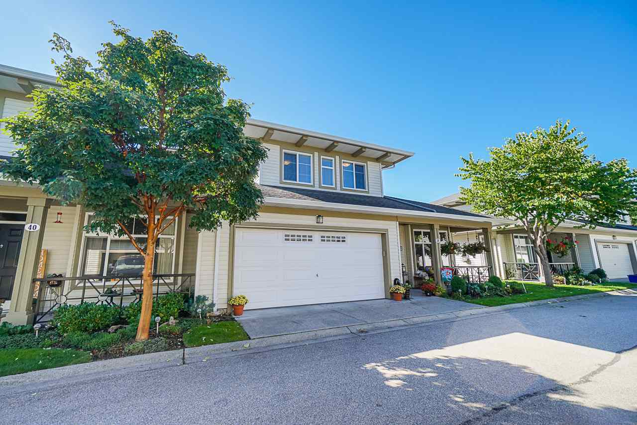 """Main Photo: 39 15188 62A Avenue in Surrey: Sullivan Station Townhouse for sale in """"Gillis Walk"""" : MLS®# R2503330"""