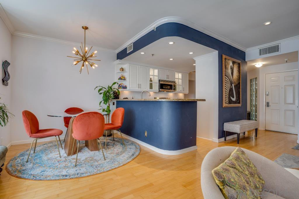 Main Photo: DOWNTOWN Condo for sale : 2 bedrooms : 620 State #222 in San Diego