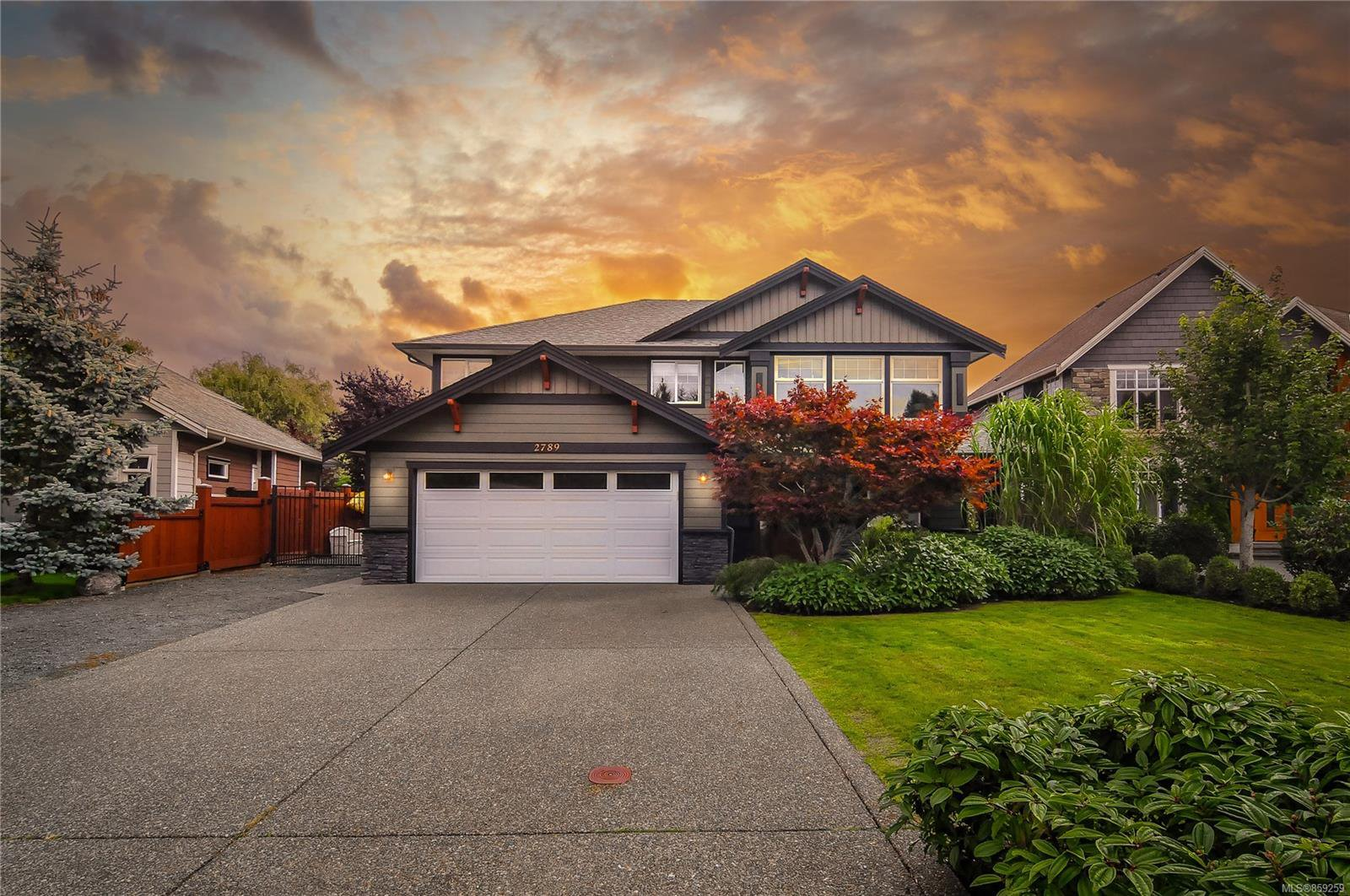 Main Photo: 2789 Denman St in : CR Willow Point House for sale (Campbell River)  : MLS®# 859259