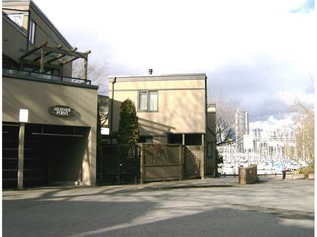 "Main Photo: 813 SAWCUT in Vancouver: False Creek Townhouse for sale in ""HEATHER POINT"" (Vancouver West)  : MLS®# V874888"