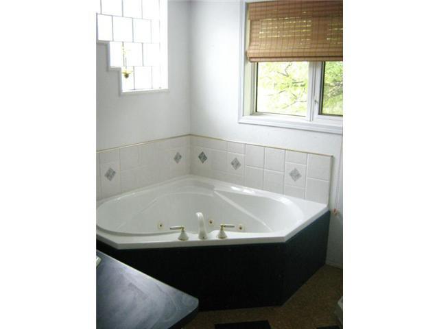Photo 12: Photos: 53 Riverbend Avenue in WINNIPEG: St Vital Residential for sale (South East Winnipeg)  : MLS®# 1116134