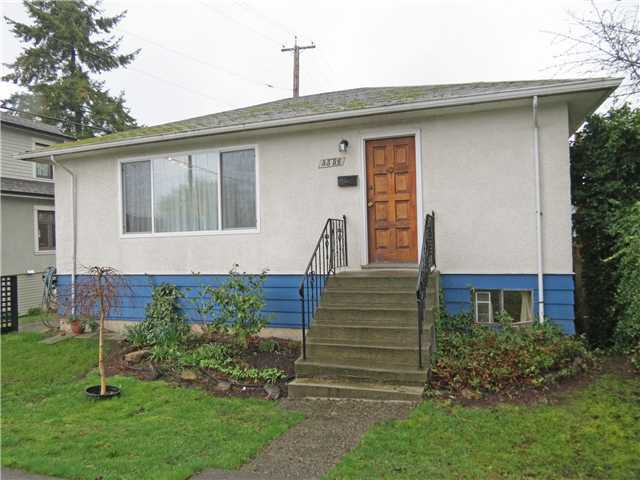 Main Photo: 3556 QUEBEC Street in Vancouver: Main House for sale (Vancouver East)  : MLS®# V1061333